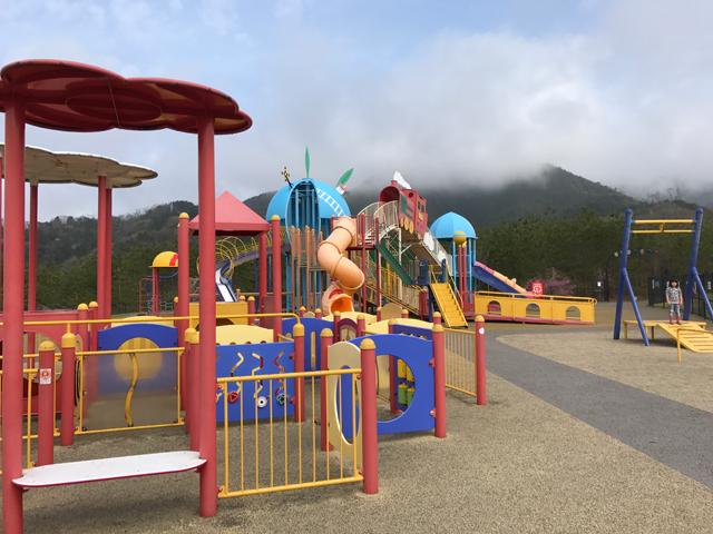家族で一日楽しめること間違いなし!動物園や科学館もある福知山の三段池公園が楽しい!