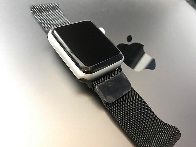 Apple Watch Nike+ Series 3 をビジネスシーンでも使いたいのでサードパーティ製ミラネーゼループバンドを買いました!