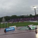 雨の日でもスタジアムに行きたい!子連れで行く雨の日のサッカー観戦に必要な持ち物と注意点について