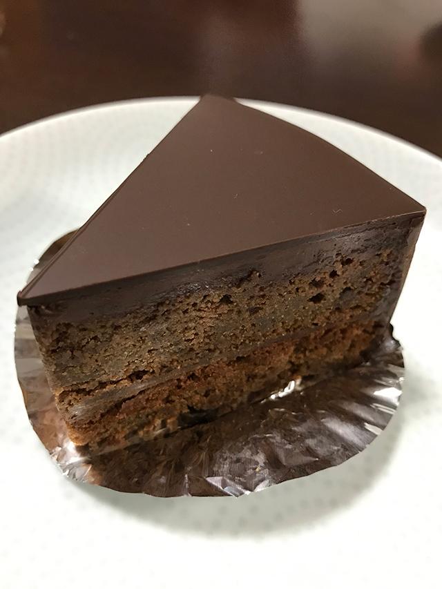 チョコ好きなら満足すること間違いなし!西大路松原のケーキ屋 菓子職人のザッハトルテが美味い!