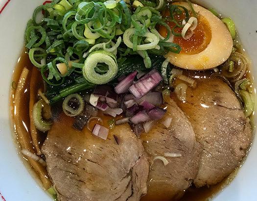 甘めの醤油味がまるで蕎麦! らぁ~めん京の神様の中華そばが美味い!