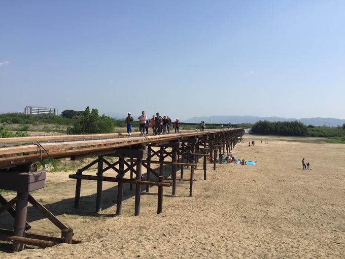 川が増水すると橋が消えちゃう!? 復旧した京都八幡の「流れ橋」に行ってきた!
