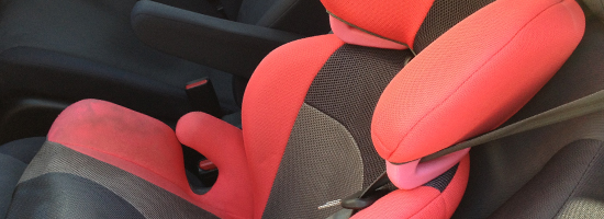 チャイルドシートの着用義務は何歳まで?着用義務年齢と大人用シートベルト着用の適正身長