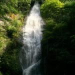 丹波自然公園で遊んだ帰りにオススメ!子供たちと京都府最大級の琴滝でマイナスイオンを浴びて来たよ!