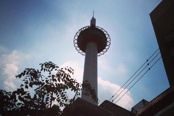 京都タワーにおこしやす!無料で利用出来る望遠鏡で京都市内を一望して来ました!